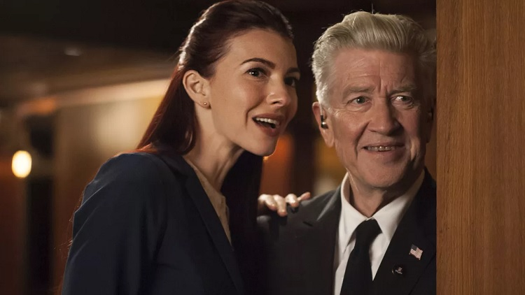 Chrysta Bell, David Lynch - Twin Peaks 3. évad (Fotó: The Verge)